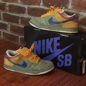 on sale ce6e0 a163f Nike Shoes - Nike Dunk Low Premium SB - Puff N  Stuff Edition